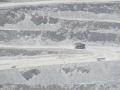Chuquicamata, o masina, un autobuz si o alta chestie, mai mare